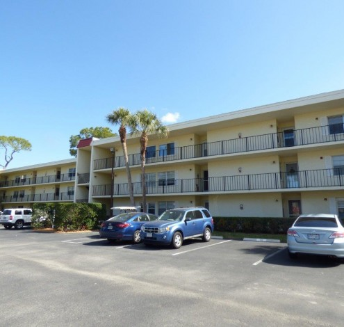 1084 FOREST LAKES BLVD #105